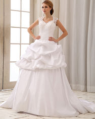 Romantic Lace Cap Sleeve Halter Neck Wedding Dresses With Heart Shaped Bra