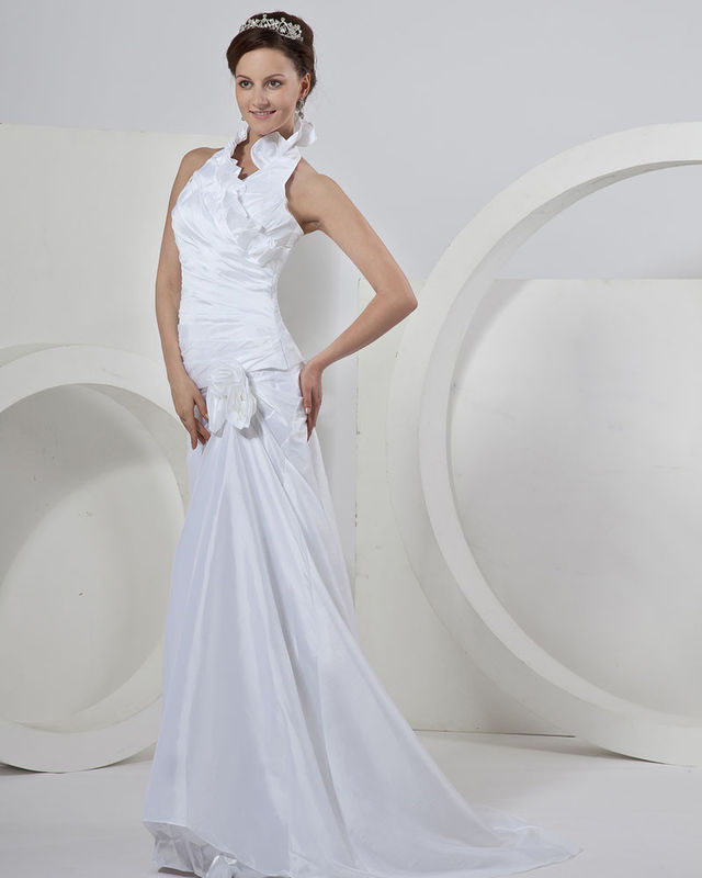 Chic Sleeveless around the neck Gauze Wedding Dresses with court train , ivory supplier