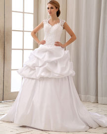 China Romantic Lace Cap Sleeve Halter Neck Wedding Dresses With Heart Shaped Bra distributor
